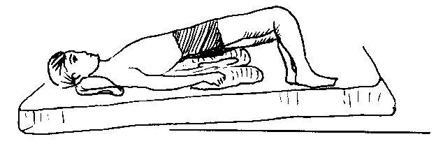 Kê một cái gối dưới hông giúp khả năng thụ thai cao hơn