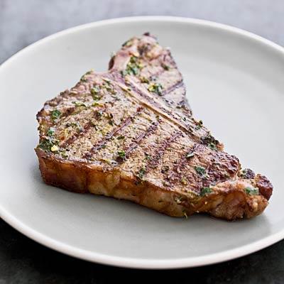Ăn nhiều thịt bò hầm không tốt cho tim mạch